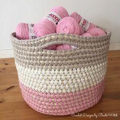 DIY - Crochet rope and recycle yarn storage basket Diy Crochet Basket, Crochet Basket Tutorial, Crochet Basket Pattern, Crochet Rope, Crochet Gifts, Crochet Stitches, Crochet Patterns, Crochet Storage, Yarn Storage