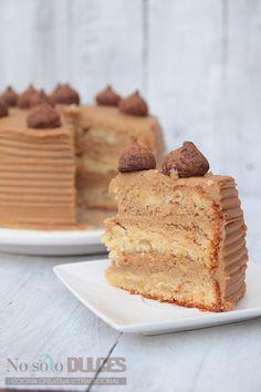Tarta de pisos de café con leche Great Desserts, Köstliche Desserts, Delicious Desserts, Pastel Envinado, Cake Designs For Boy, Sweet Recipes, Cake Recipes, Tolle Desserts, New Cake