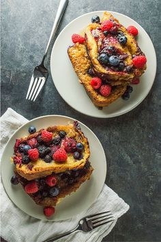 PERFECT Valentine's Day Breakfast! Super easy Baked French Toast.
