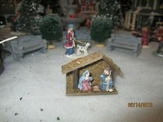 """PERFECT for VILLAGE HOUSE display, etc..IMPRESSIVE approx: 1 1/2"""" TALL x 2 1/2"""" WIDE ! EXCITING PIECE to enhance your """" CHRISTMAS HOUSES """"! // EXCELLENT ADDITION to ANY VILLAGE or TRAIN GARDEN DISPLAY! Lemax Christmas Village, Christmas Houses, Indoor Outdoor, Outdoor Decor, Statues, Village Houses, Department 56, Display, Bird"""