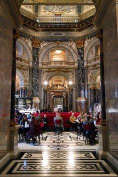 Café du Kunsthistorisches Museum à Vienne (Autriche) #Vienna #Wien #marbre