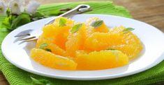 Recette de Salade d'oranges parfumée menthe, cannelle et fleur d'oranger. Facile et rapide à réaliser, goûteuse et diététique.