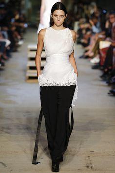 Défilé Givenchy Printemps-été 2016 3