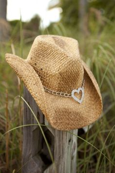 Heartbreaker Cowgirl Hat - Classy Country