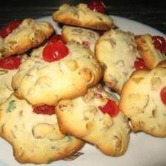Irish Whiskey Christmas Cookies by trusted chef and home cook Christmas Sweets, Christmas Cooking, Christmas Ideas, Christmas 2017, Holiday Ideas, Irish Cookies, Xmas Cookies, Cookie Recipes, Dessert Recipes