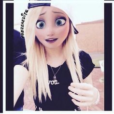 Elsa is so pretty with modern clothes! Gothic Disney Princesses, Disney Princess Drawings, Disney Princess Art, Disney Princess Pictures, Disney Drawings, Punk Princess, Emo Disney, Disney Girls, Disney Frozen