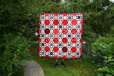 Square the Circle Quilt | Fabric: Wild at Heart by Lori Whitlock for Riley Blake Designs