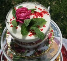 Tea time, Old Country Roses Desert Dish