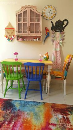 An original house with handmade accessories: Ayşe Nur & # s beautiful home . Balkon – home accessories Handmade Accessories, Home Accessories, Painting Kitchen Chairs, Dinner Room, Shabby Chic Crafts, Decoration, Beautiful Homes, Decoupage, Diy And Crafts