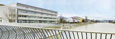 Urlaub in Salzburg muss nicht teuer sein - das Eco-Suite Hotel Salzburg bietet stilvolle und ökologische Suiten in Zentrumsnähe zum attraktiven Preis Salzburg, Multi Story Building, Stairs, Home Decor, Vacation, Stairway, Decoration Home, Room Decor, Staircases