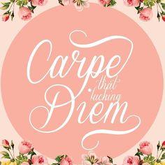 """""""Carpe F Diem"""" @bykarenrulez   Disponível aqui http://ift.tt/2mNrCfC em camiseta quadro almofada e mais #movidoapessoasincriveis #artetododia"""