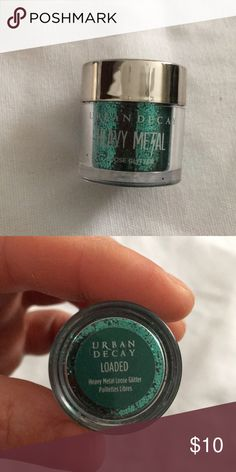 New Urban Decay heavy metal LOADED New Urban Decay heavy metal LOADED is a cool green with a glitter finish. Urban Decay Makeup Eyeshadow