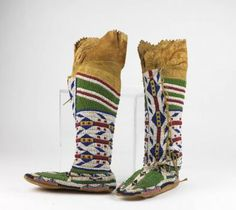 Native Americans are living in our midst, as a wonderful combination of artistry and technology at the Penn Museum makes abundantly clear. Native American Moccasins, Native American Dolls, Native American Clothing, Native American Artifacts, Native American History, Native American Fashion, Native Beadwork, Native American Beadwork, Beaded Moccasins