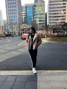 Look Magazine, Korea, Style, Fashion, Swag, Moda, Fashion Styles, Fashion Illustrations, Korean