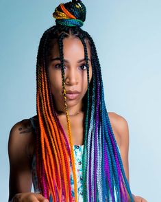 braided hairstyles for black women Want your braids to look even cooler? We got you, here are eighteen chic hairstyles for girls braids you can copy right now. Blonde Box Braids, Braids With Curls, Black Girl Braids, Braids For Black Women, Girls Braids, Cute Box Braids, Box Braids Hairstyles, Chic Hairstyles, Beautiful Hairstyles
