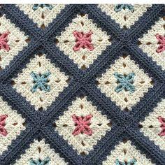 "3,685 Beğenme, 52 Yorum - Instagram'da Örgü-Crochet-Baby Blanket (@sevilce_orguler): "". . . . . . #sunum#sahibi#creditby#patternby@alegria73#crochetblanket…"""