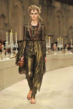 Chanel-Paris-Bombay-Pre-Fall-2012-135119242_10