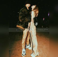 Read Lizkook from the story BTS & BLACKPİNK by ivymarianas (Ivy) with reads. Bts Girl, Bts Boys, Korean Couple, Best Couple, Kpop Couples, Cute Couples, Jikook, Bts Jungkook, Taehyung