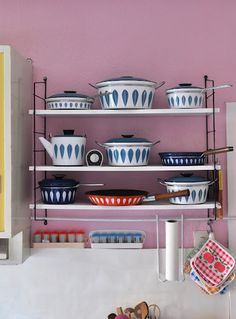 {pretty in blue Cathrineholm} Vasbinder, I could totally see something like this in your kitchen.