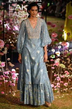 Anita Dongre at Lakmé Fashion Week summer/resort 2019 Outfit Essentials, Anita Dongre, Indian Wedding Outfits, Indian Outfits, Wedding Dress, Saree Wedding, Wedding Wear, Lakme Fashion Week, Fashion Weeks