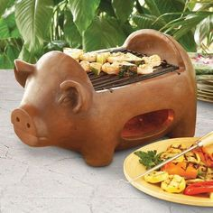 A grill you may feel guilty preparing pork chops on. 33 Impossibly Cute Kitchen Products You'll Actually Use Kitchen Ikea, Cute Kitchen, Kitchen Interior, Pig Kitchen Decor, Kitchen Dining, This Little Piggy, Little Pigs, Barbecue Original, Outdoor Barbeque