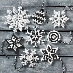 Diy And Crafts, Arts And Crafts, Holidays And Events, Snowflakes, Beaded Jewelry, Seasons, Helmet, Indian, Christmas