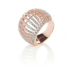 rose gold plated vermeil on sterling silver in white zircon.This stunning comb ring in rose gold plated vermeil on sterling silver is set with multip…