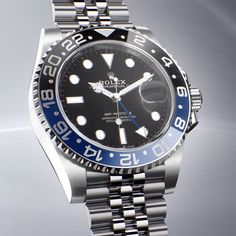 Discover the new GMT-Master II fitted with a Jubilee bracelet and a two-colour graduated Cerachrom insert in blue and black ceramic. Rolex Gmt Master 2, Rolex Watches, Watches For Men, Rolex Blue, S Shock, Right To Privacy, Oyster Perpetual Datejust, Dream Watches, Ultra Violet
