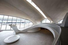 TWA Le plus bel aeroport du monde par l'architecte finnois-américain Eero Saarinen