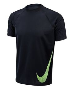 1dcf75ff68e8b Amazon.com  Nike Mens Heat Swoosh Short Sleeve Hydro Rash Guard S White   Sports   Outdoors
