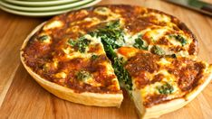 This is definitely not how we typically make quiche, but I'm up for trying new methods! Clean Eating Brunch Idea - Chard and Bacon Quiche with Sweet Potato Crust Quiche Recipes, Brunch Recipes, Wine Recipes, Breakfast Recipes, Cooking Recipes, Healthy Recipes, Vegetarian Recipes, Breakfast Quiche, Vegetarian Quiche