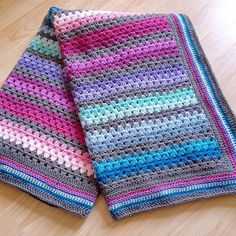 Kaidalys has made this wonderful blanket in Stylecraft Special DK in Candyfloss, Fondant, Fuchsia Purple, Boysenberry, Magenta, Plum, Violet, Lavender, Aspen, Sherbert, Cloud Blue, Storm Blue, Turquoise, Empire and Graphite. Wow, lots of shades for a great colour combination! #Clevercrafters