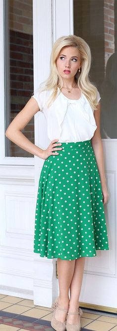 Midi green skirt with polka dots and white top - LadyStyle
