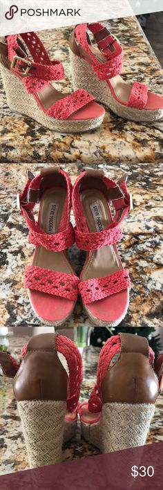 Steve Madden Coral Wedges.Size 6.5 🌸💕👡 Super Cute Coral Steve Madden Wedges in Size 6.5 🌸💕👡 Worn only twice.No box.Same/Next Day Shipping.No Trades.Thank you 💕🌸🏖👡 Steve Madden Shoes Wedges