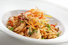 Kip Teriyaki met Noodles - Boodschappenlijstje Kip (400 gram) Pak Noodles (350 gram) Chinese roerbakmix (500 gram) Knoflook, Wokolie Teriyaki Woksaus....