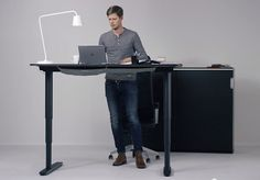 Standing Desk Chair Ikea - Best Home Office Desk Sit Stand Desk, Sit To Stand, Design Moderne, Deco Design, Standing Desk Chair, Standing Desks, Electric Standing Desk, Home Office, Office Desk