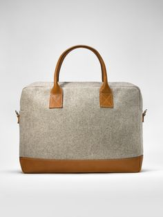 Office Bag in burel and leather. Beautiful, cosy, water proof, dirt proof and perfect for rainy days.