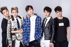 No your eyes are not deceiving you — all five members of this Chinese boyband are actually girls. Acrush is made of five girls who are mostly in their early twenties, with the youngest member being only 18.