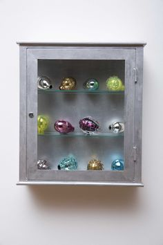 Natura morta (medical cabinet)
