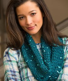 Classy Crochet Cowl Free Pattern from Red Heart Yarns