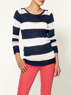 navy + coral never goes out of style. Perfect coastal oufit.