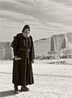 Monk is a Copt at the Monastery of St. Pope Shenouda, Teaching Literature, Orthodox Christianity, God Prayer, Saint George, Textiles, Christian Art, Pilgrimage, Catholic