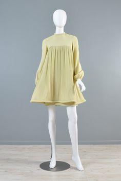 Owwwwwww.                                      1967 Pierre Cardin Pleated Babydoll Dress #VINTAGE #DRESS