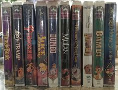 Walt Disney VHS Tapes lot: Lady and the Tramp/ Alice in Wonderland/ Dumbo Etc.