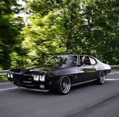 Pro-Touring 1970 Pontiac Gto Judge split 5 star wheels. possibly kwc 025 wheels