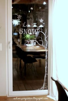 Recently, shortly after midnight, I& on Éva& beautiful winter window . Noel Christmas, Simple Christmas, Window Markers, Deco Stickers, Chalk Pens, Chalk Art, Christmas Window Decorations, Christmas Crafts For Kids To Make, Theme Noel