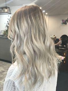 Lived in hair colour Blonde bronde brunette golden tones Balayage face framing blonde  Textured curls Cool ash blonde