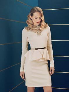 Peplum dress con inserti sul collo dalla collezione autunno inverno 2013 2014 di abbigliamento Elisabetta Franchi.