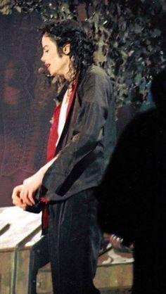 You give me butterflies inside Michael. Michael Jackson Bad Era, Jackson 5, Jackson Family, Bon Jovi, You Give Me Butterflies, Earth Song, King Of Music, The Jacksons, King Of Hearts
