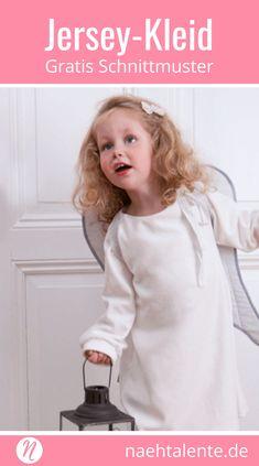 Kostenloses Schnittmuster für eine Mädchenkleid für Nicky- und Jersey. PDF-Schnitt zum Drucken in Gr. 86/92, 98/104, 110/116. ✂ Nähtalente.de - Magazin für kostenlose Schnittmuster und Hobbyschneiderinnen ✂ Free sewing pattern for a girls dress in size 86/92, 98/104, 110/116. PDF-sewing pattern for print at home. ✂ Nähtalente.de - Magazin for sewing and free sewing patterns ✂ #nähen #freebook #schnittmuster #gratis #nähenmachtglücklich #freesewingpattern #handmade #diy via @Naehtalente